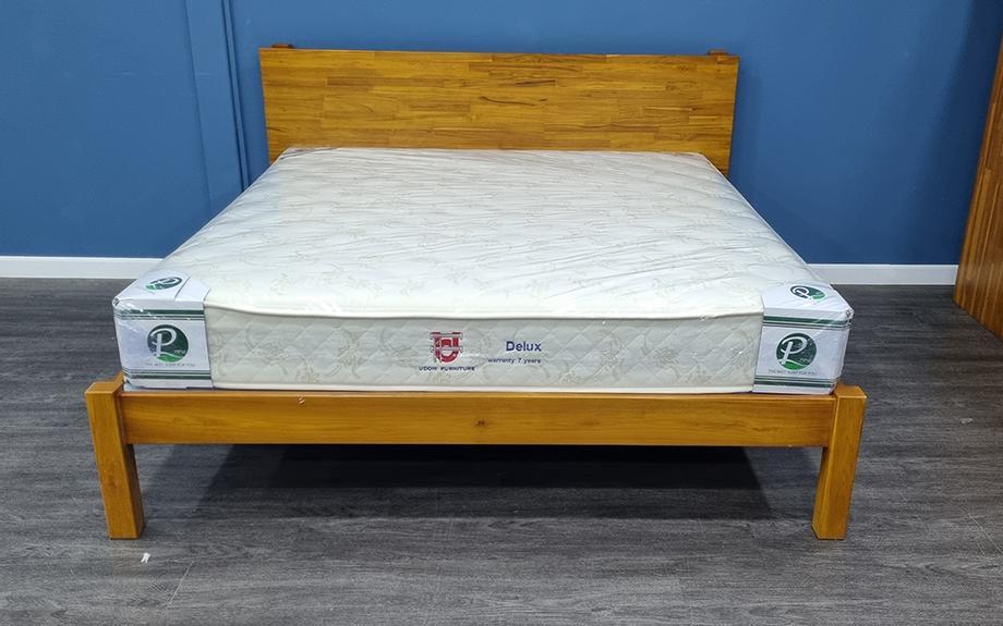 เตียงนอนไม้สัก พร้อมที่นอน
