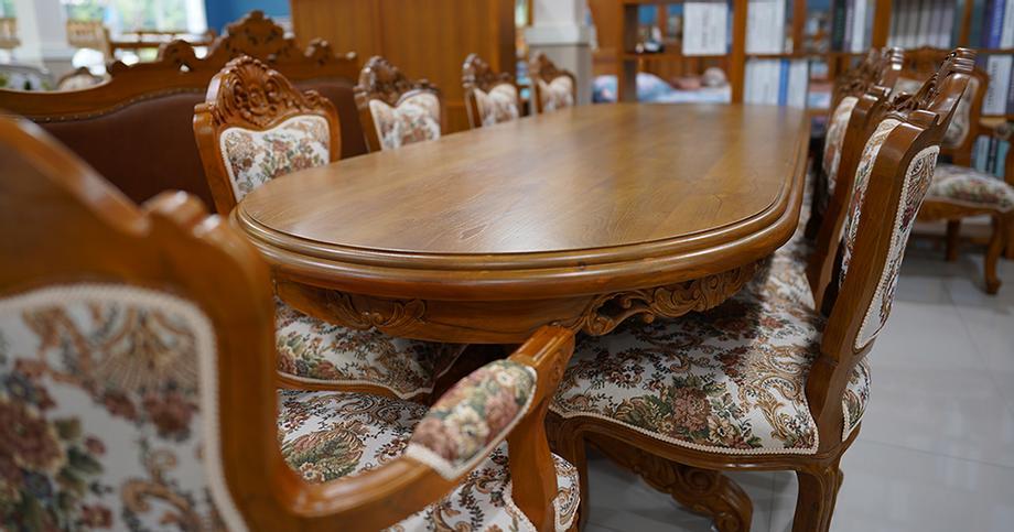 โต๊ะประชุมไม้สักแท้