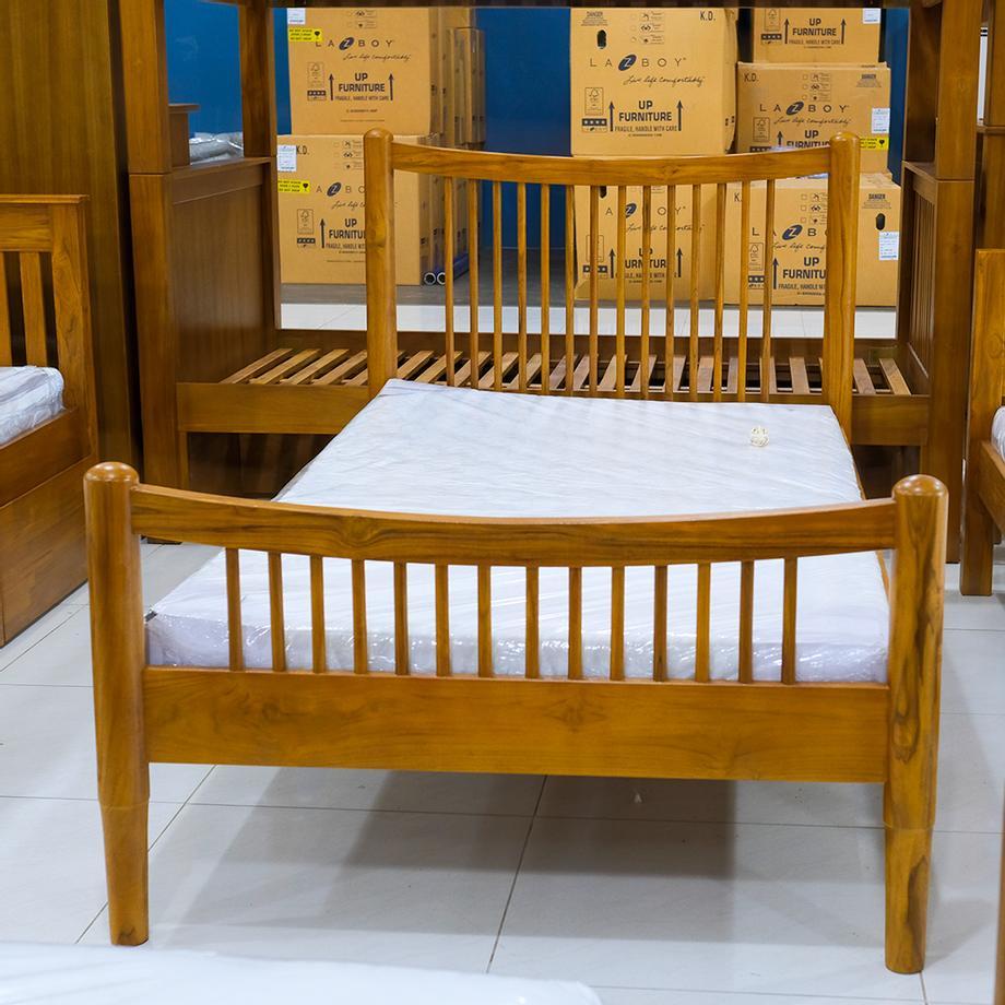 เตียงนอนไม้สักรุ่นอารียา 3.5ฟุต